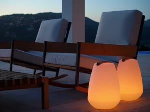 solution eclairage sans electricite goulotte protection. Black Bedroom Furniture Sets. Home Design Ideas